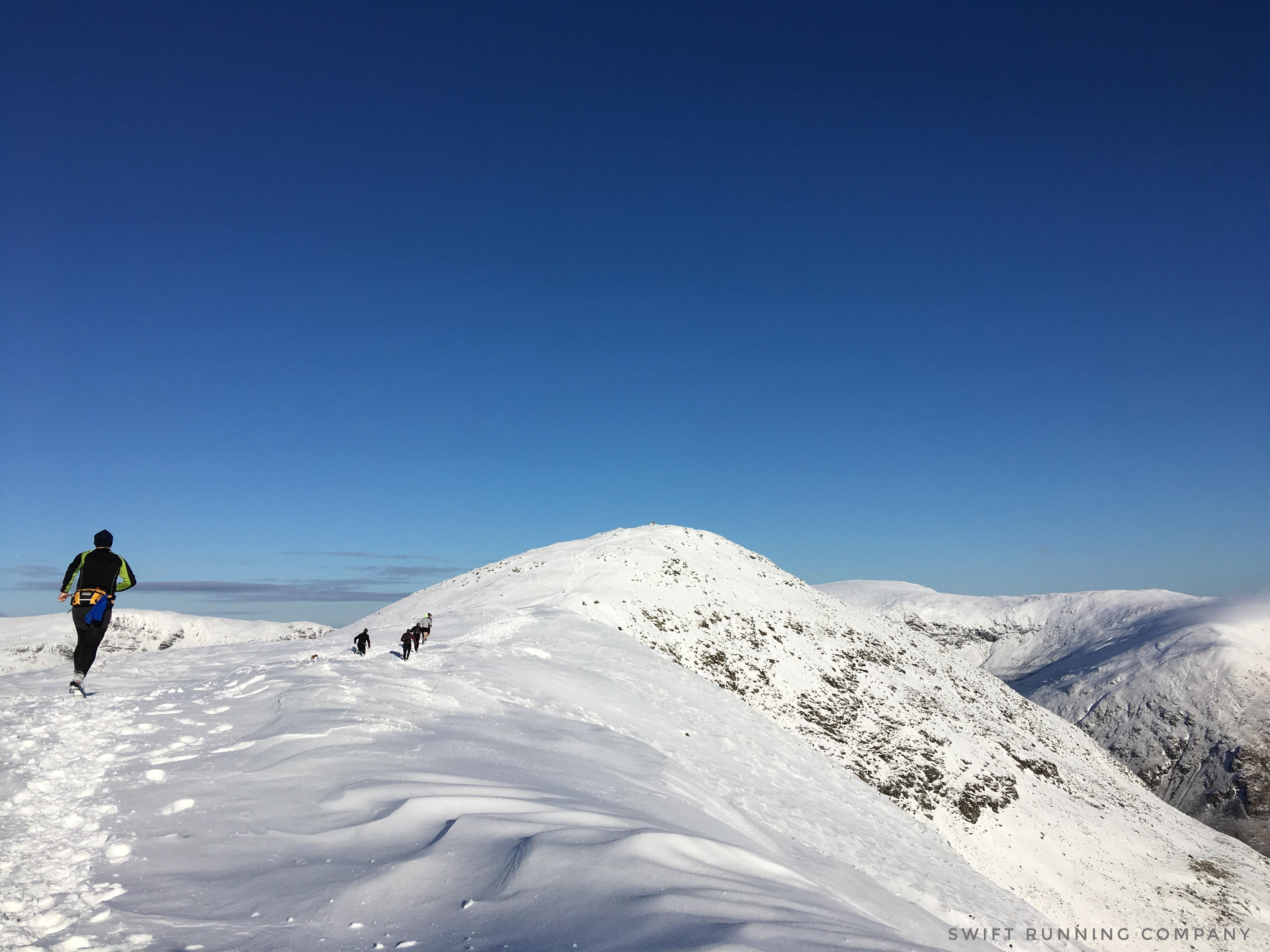 Winter running on ridge lines